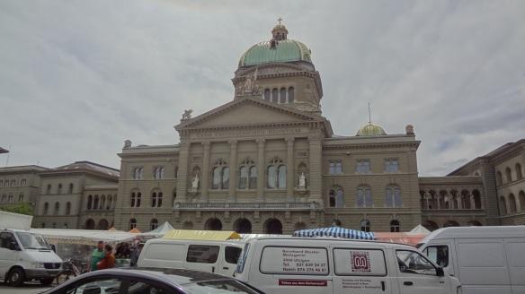 The Federal Palace (Bӓrenplatz)