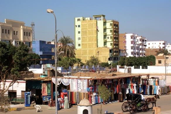 Kleiderverkauf  (clothes sale) of Edfu