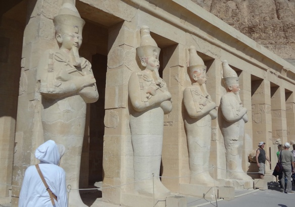 The statues of the Hatshepsut's mortuary temple front.