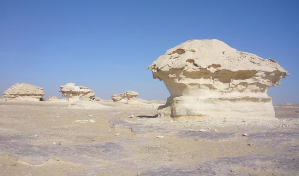 A strange rock of the White Desert