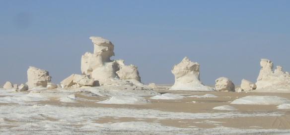 Chalk landscape of the White Desert.