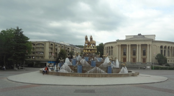 The statue symbolising the Golden Fleece.