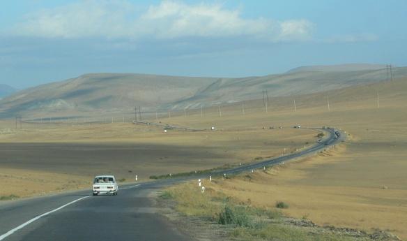 On the way to Qobustan (Maraza)