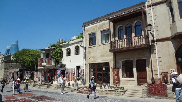 Souvenir shops in the old town、Baku
