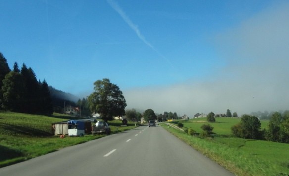 Scenery on the way to the Joux Lake
