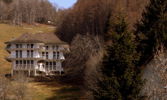 Manor Hautes Roches