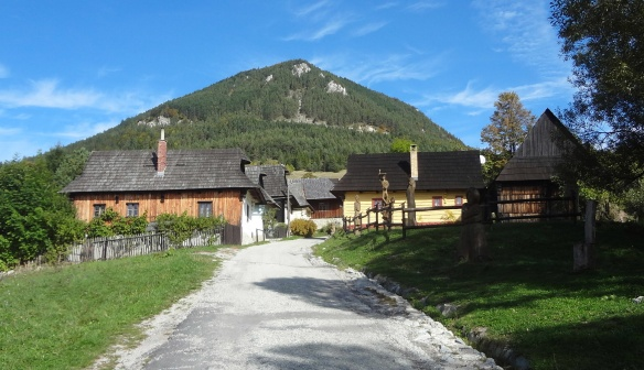 Arrived at the Vlkolínec village