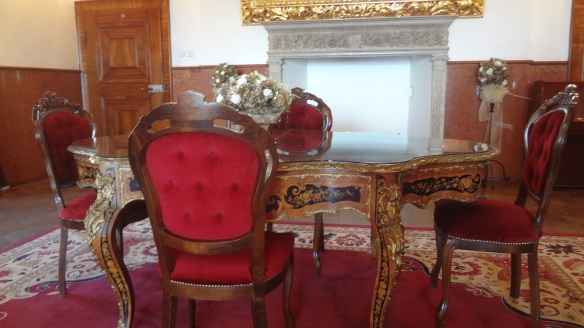 Furnitures of the Golden Hall