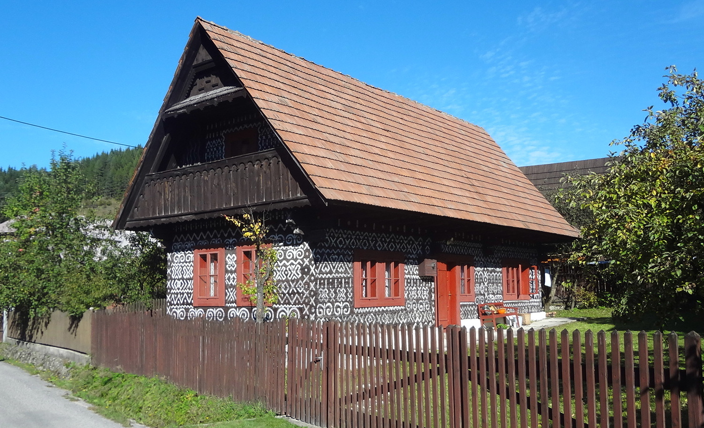 Čičmany Village Slovakia Weepingredorger