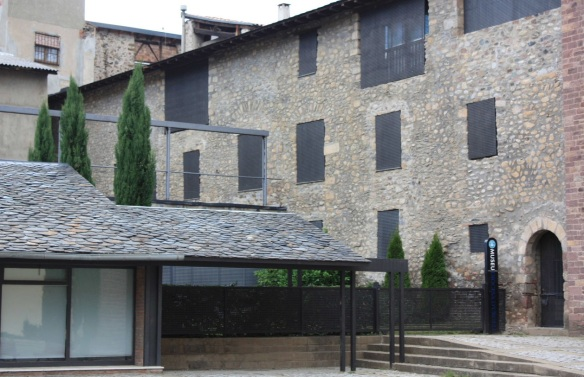 The old Casa del Deganat, now it's Diocesan Museum