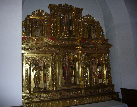 The altar of San Esteban Church