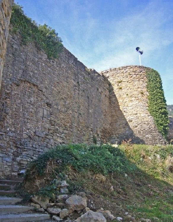 Restes del Castell de Sort