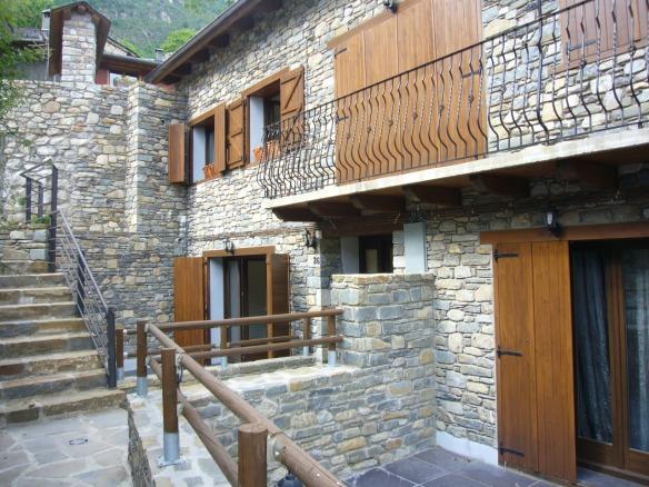 Stone splendid houses