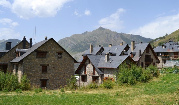Taüll is a quiet village surrounded by mountains and greenery in La Vall de Boí.