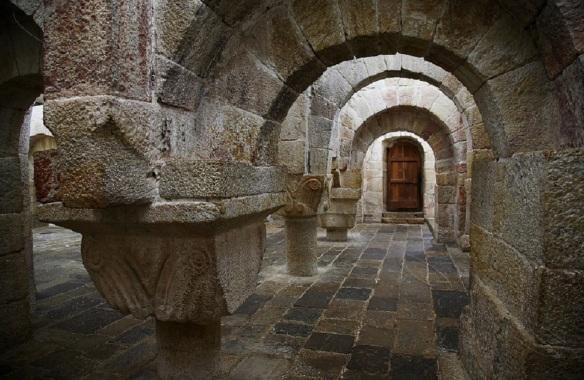 Cripta of Monasterio de Leire, Navarra