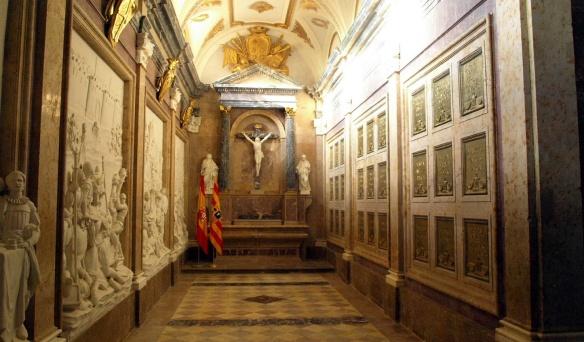 Royal Pantheon (Mausoleum); right, royal tombs.