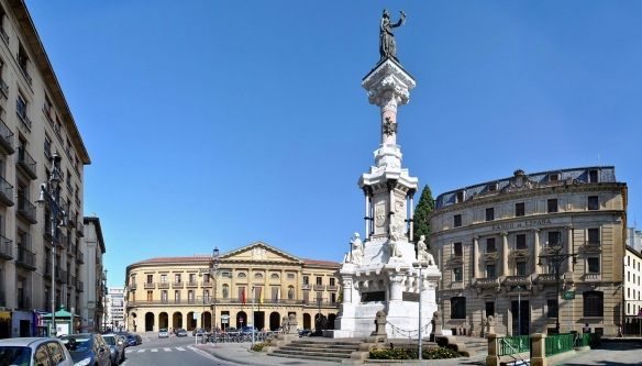 Monument to the Privileges, Palace of the Provincial Council and Bank of Spain, located at the east end of Paseo de Sarasate.