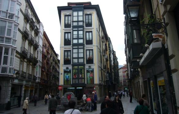 Street called Portal de Zamudio Kalea.