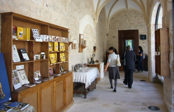Souvenir shops of the Chapel and the outlet.