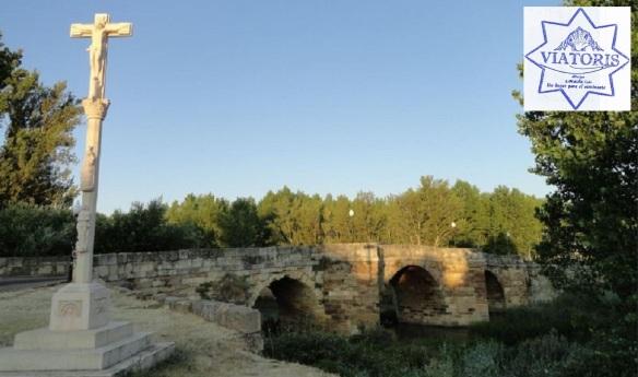 Old stone bridge on the border of Sahagún town.