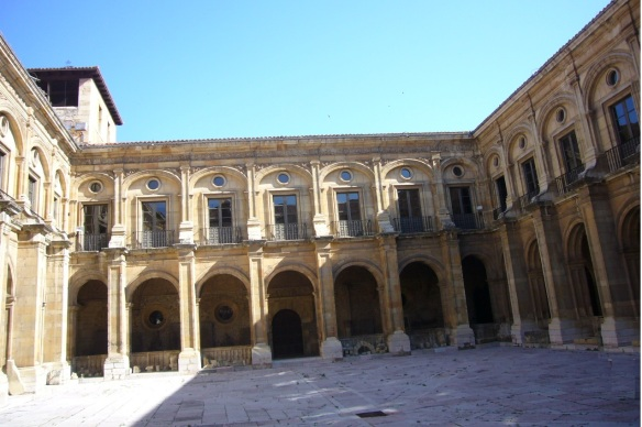 Cloister of Museum of San Isidoro