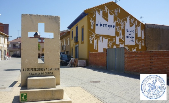 Pilgrim monument and Albergue in Villares de Orbigo