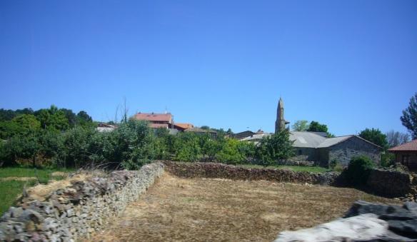 Left Astorga for Foncebadón