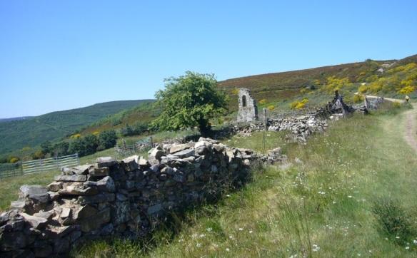 Ruins of the former parish church of Foncebadón