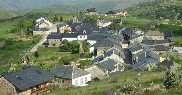 Center of El Acebo village