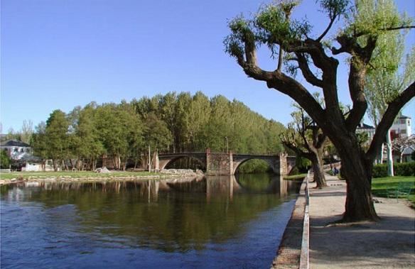 "Puente Mayor, the bridge over the river ""Río Cúa"""