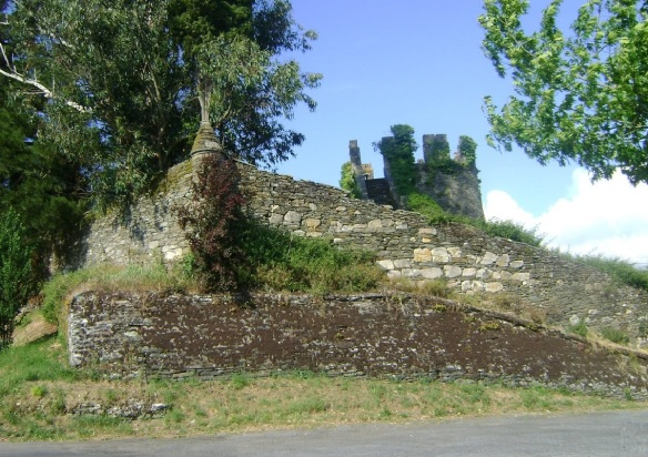 Ruins of Sarria Tower; It dominates over the whole valley of Sarria.