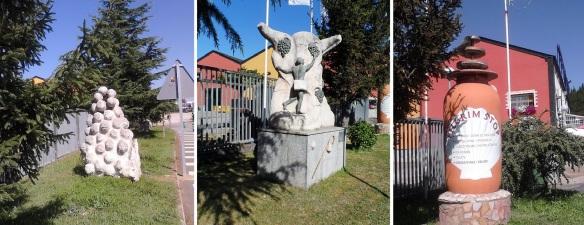 Strange three monuments on the road side, Camponaraya.