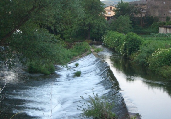 River Valcarce flows through the village of Pereje.