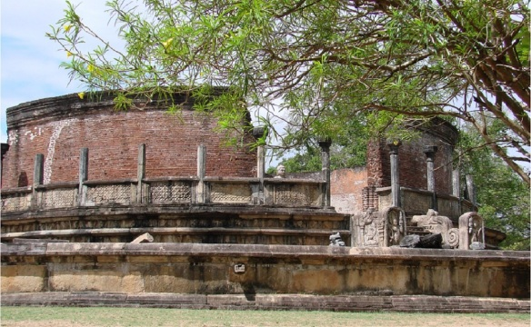Circular Vatadage of the Quadrangle, Polonnaruwa