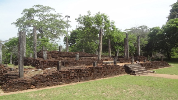 Recumbent Image House Quadrangle Polonnaruwa