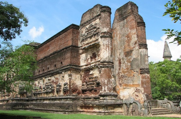 Lankatilaka Vihara, Polonnaruwa