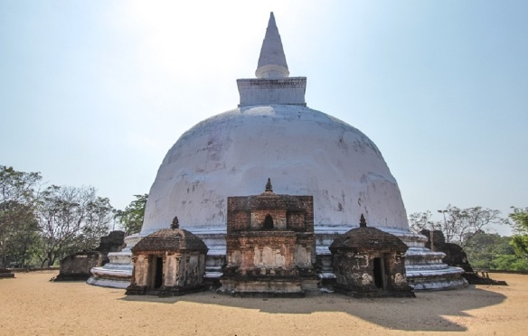 Kiri Vihara Stupa, Polonnaruwa, Sri Lanka