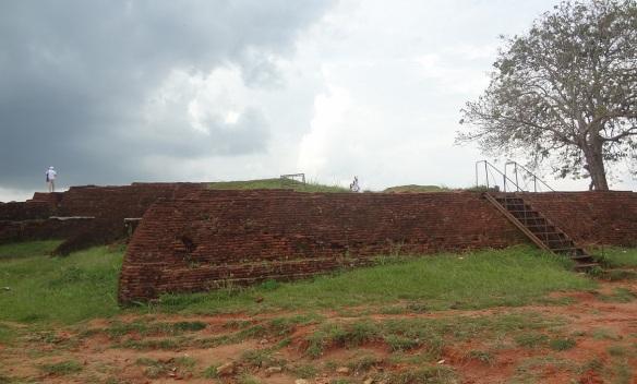 Walking around the summit; Ruins of the King Kashyapa's Palece
