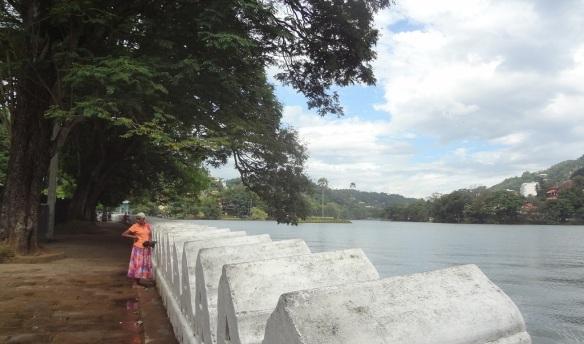 A decorative wall, called Walakulu wall, runs for 2060 feet along the banks of the lake.