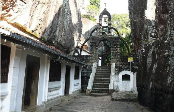 Aluvihāra Cave Temple