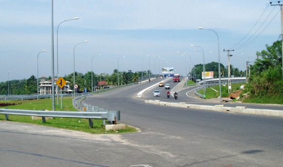 The entrance of the expressway