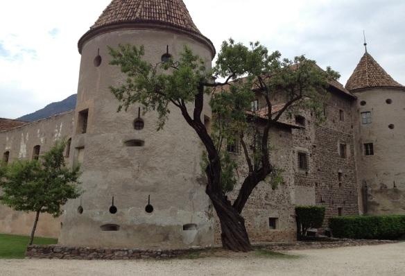 Schloss Maretsch ( Castel Mareccio )