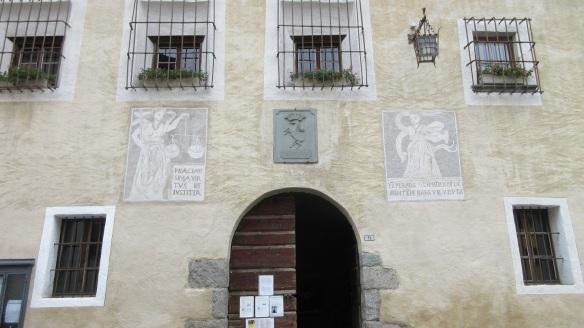 The facade of the Praetorian House.