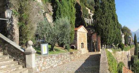 "The church yard on the narrow path ""Sentee da la Gesa"""