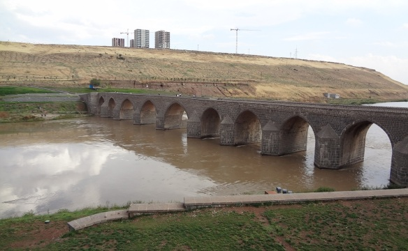 Arrived at the Dicle Bridge