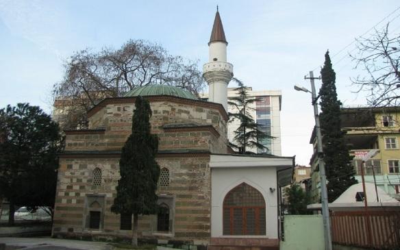 Yali Mosque lies on in Bugday Bazaar Quarter and built by Mehmet Sadik Bin Abdullah.