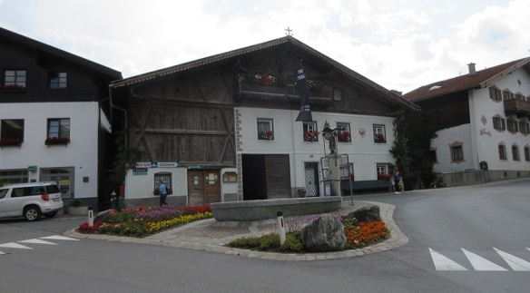 Village Center of Mutters