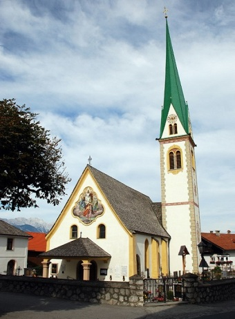 Mutters Parish Church on the Kirchplatz