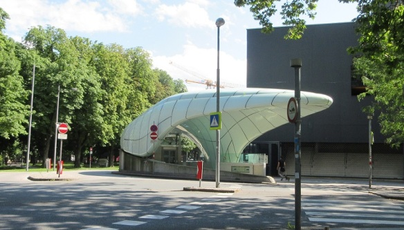 Funicular Station, next to the Hofgarten (Court Garden)