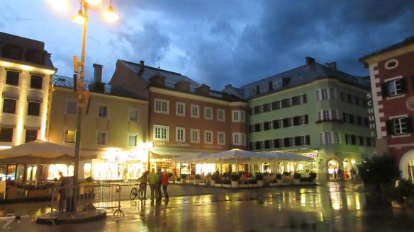 Haupt Platz at night